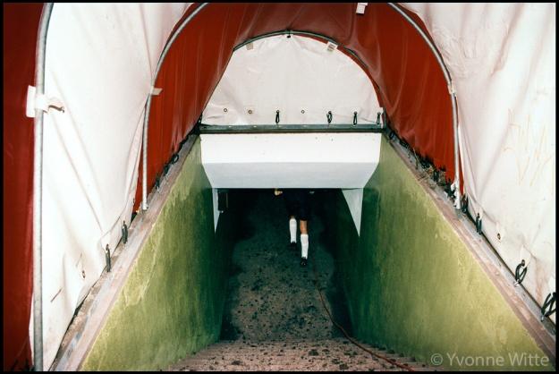 Van der Sar naar de catacomben in het Olympisch Stadion, 03.04.1996, laatste wedstrijd ajax in het Olympisch. Foto en © Yvonne Witte